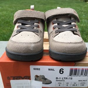 Teva Hiking Shoes - NIB Toddler size 6